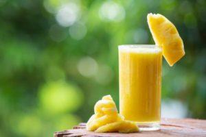 Sucos de frutas cítricas refrescam, hidratam e reforçam a imunidade
