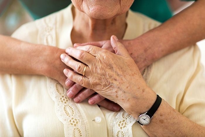 paciente incurável que recebe cuidados paliativos na pandemia